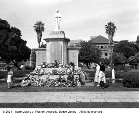 Bunbury War Memorial, Anzac Day, 1956.