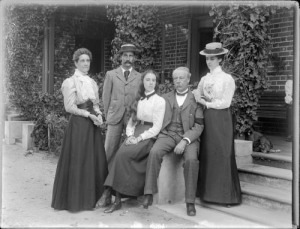 Family group late 1890s