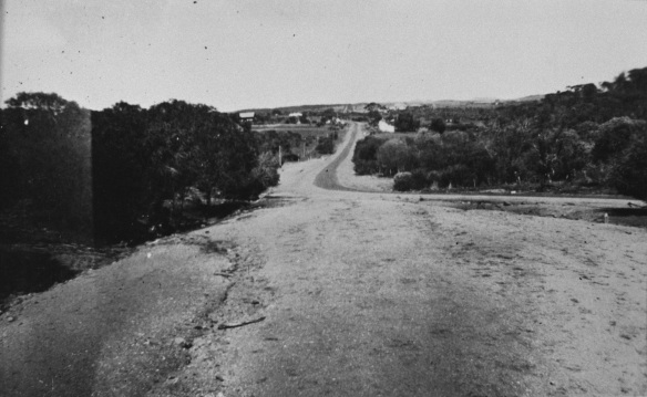 Wanerenooka track, north of Northampton, 1948, 067385PD
