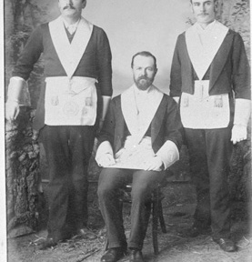 Charles Hawes Stone and other Freemasons in full regalia. Albany, late 1890s-? 026822PD